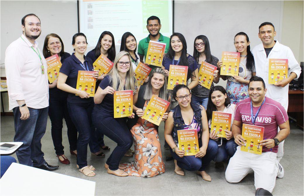 Colaboradores participam de treinamento para ação de voluntariado em parceria com Júnior Achievement