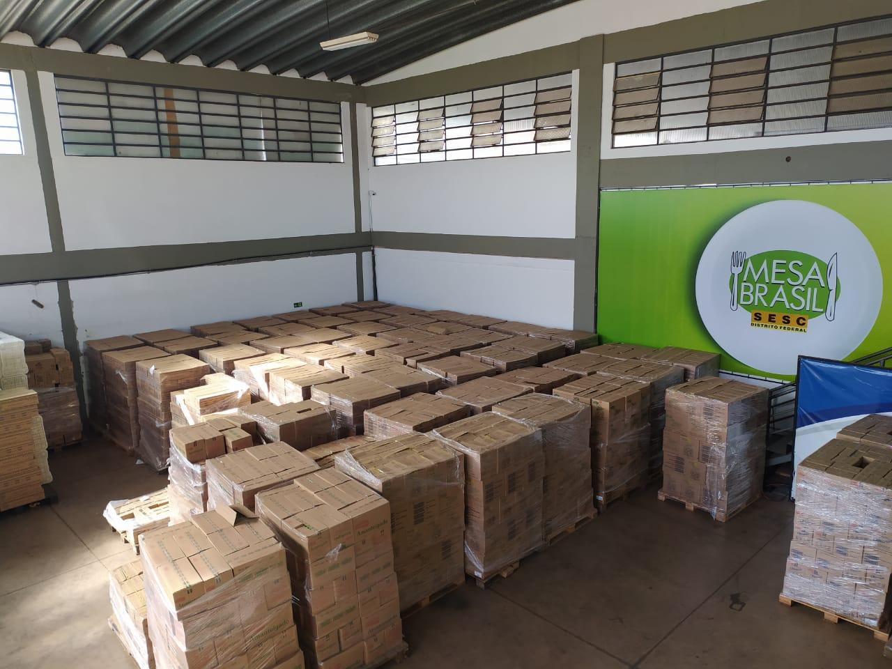 M. Dias Branco doa quase 5 mil caixas de biscoitos ao Mesa Brasil do Distrito Federal